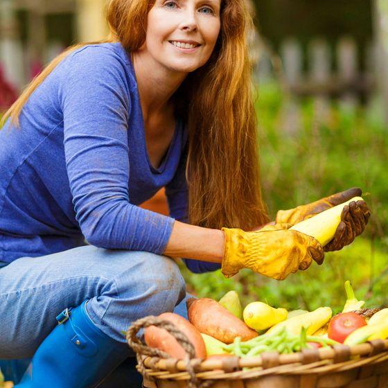 kvinne og grønnsaker